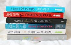 {Bookshelf Tour} Meus livros de John Green - Na Estante Book Club Books, Book Lists, Good Books, Books To Read, My Books, Love Book, This Book, Aesthetic Videos, World Of Books