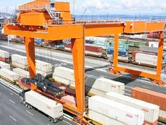 Quay gantry crane is designed to handle a variety of cargo and container at dockside. The gantry crane can effectively enhance the productive efficiency. Moving Containers, Environmental Health And Safety, Cranes For Sale, Crane Design, Gantry Crane, Model Train Layouts, Model Trains, Ships, Diorama Ideas