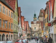 Guten Morgen aus Rothenburg   Einen sehr schönen Freitag  Começando a sexta com Rotemburgo! Uma ótima sexta a todos!  #destinomunique #destinomuniqueviaja #rothenburg #romanticroad