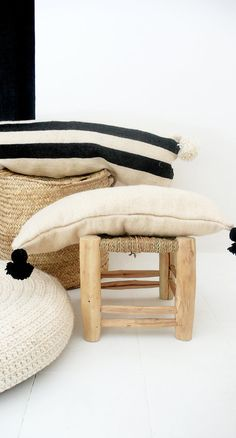 Moroccan POM POM Wool Pillow Cover Extra Long in por lacasadecoto