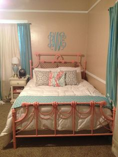 My new teal and coral room! Pottery Barn Teen chevron duvet with ...