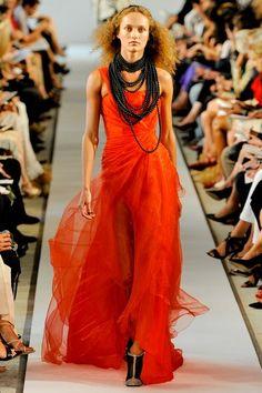 See the complete Oscar de la Renta Spring 2012 Ready-to-Wear collection.