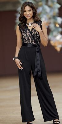 Monroe & Main Make Me Blush Jumpsuit Lace Black Dinner Cruise Romper Size 8 12 Classy Outfits, Chic Outfits, Fashion Pants, Fashion Dresses, Fashion Tips, Elegant Dresses, Formal Dresses, Semi Formal Outfits, Elegantes Outfit