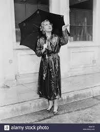 Image Result For Vintage Lady Rain Ladies Umbrella Vintage Ladies Photo