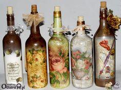 Reciclemos, hagamos arte, y ayudemos al planeta – manosalaobratv Recycled Glass Bottles, Glass Bottle Crafts, Wine Bottle Art, Bottle Vase, Bottles And Jars, Decoupage Jars, Wine Craft, Jar Art, Altered Bottles