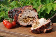 Ein klassischer Spießbraten ist eine absolute Delikatesse. Der gefüllte Rollbraten mit Speck und Zwiebeln ist ein Klassiker vom Grill. Mit diesem Rezept zeige ich Euch die Zubereitung auf dem Kugel… Grill Party, Bbq Grill, Barbecue, Grilling, Grill N Chill, Paleo, Keto, Weber Grill, Pulled Pork
