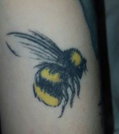 Bumble bee by loco motif tattoo