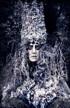 'The Fall Of King Gammelyn' (2011) Wonderland Series, Kirsty Mitchell Photography