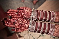Every bride has a distinct choice for wedding jewelry & trousseau, a contemporary bride believes in making own fashion statement. Gone are the days when Bengali bride could only wear conch shell & coral bangles known as Sakha and pola. Now she also matches her bridal outfit with designer chola. Trends might be changing but the chura still popular for for indian bridle