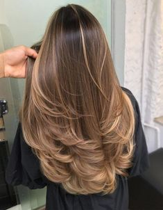 Most Popular Blonde Hair Color Looks for 2020 Stylesmod - - blonde color hair looks popular stylesmod # Light Blonde Balayage, Brown Hair Balayage, Hair Color Balayage, Blonde Color, Blond Brown Hair, Hair Color Brown, Hazel Hair Color, Ombre On Brown Hair, Pretty Brown Hair