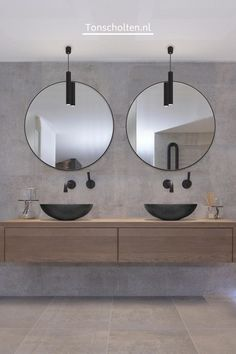 Bathroom Design Luxury, Bathroom Layout, Modern Bathroom Design, Large Bathrooms, Small Bathroom, Round Bathroom Mirror, Master Bathroom, Concrete Bathroom, Diy Bathroom Remodel