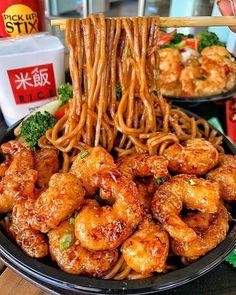 Honey Shrimp and Chow Mein I Love Food, Good Food, Yummy Food, Tasty Snacks, Honey Shrimp, Chili Shrimp, Asian Shrimp, Food Shrimp, Mexican Shrimp