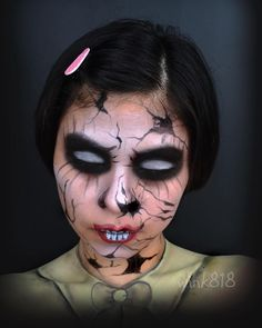 This is a recreation of @stylized_artistry broken doll for the @jelani_lopez collaboration. Sorry it took a while, hope you like it ☺️, go check out @stylized_artistry, shes so amazing! #jelanilopezshare #collaboration #brokendoll #creepy #snazaroo #facepaint