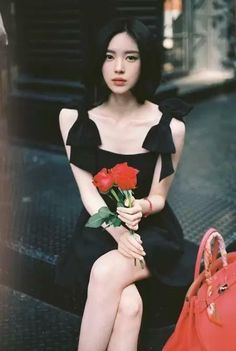 """ Red Rose for Loves and Adores Beautiful flowers are like Roses. Asian Fashion, Girl Fashion, Yoon Sun Young, Asia Girl, Mode Hijab, Beautiful Asian Women, Mode Outfits, Aesthetic Girl, Asian Style"
