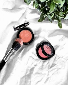 Absolutely looove @isadoraofficial Perfect Blush 💕 These are definitely one of my all time favorite drugstore blushes! Shades shown: Soft Coral & Pink Glow ✨