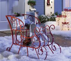 Fun and Festive Christmas Decor: Decorating for the holidays goes far beyond bringing home the tree for trimming. From your front porch and walkway to guest rooms, dining tables and eye-catching mantels, Christmas decor can transform you home from the every day, to the holiday in a twinkling.