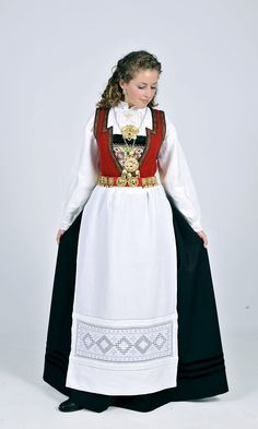 ❤️Oslo bunad dame til salgs · GitBook Folk Costume, Costumes, Hardanger Embroidery, Ethnic Fashion, Traditional Dresses, Norway, Anna, Oslo, Lace