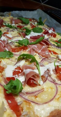 Hawaiian Pizza, Vegetable Pizza, Food Inspiration, Quiche, Food And Drink, Low Carb, Pasta, Baking, Vegetables