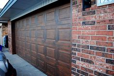Have you seen garage doors that have been transformed by paint in this way?  when done well, they look fabulous!    Faux garage door makeover