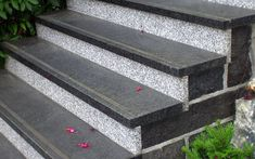 Stairs design granite stairways Ideas for 2019 Granite Stairs, Marble Stairs, Tile Stairs, Flooring For Stairs, Granite Flooring, Granite Tile, Front Stairs, Entryway Stairs, Tiled Staircase
