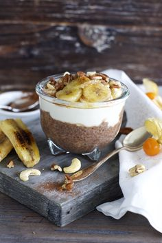 ChiaPuddingParfait_09 Low Carb Desserts, Overnight Oats, Going Vegan, Camembert Cheese, Cheesecake, Clean Eating, Brunch, Healthy Recipes, Healthy Food
