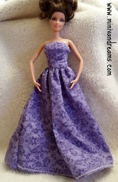 A simple and quick Barbie doll ball gown pattern and tutorial. From fabric to the ballroom in less than an hour! doll accessories diy clothing patterns Barbie Doll Ball Gown Pattern and Tutorial - Mini Van Dreams Sewing Barbie Clothes, Barbie Sewing Patterns, Doll Dress Patterns, Clothing Patterns, Pattern Sewing, Diy Clothing, Barbie Gowns, Barbie Dress, Barbie Doll