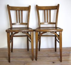 Vintage wooden bistro chairs via Les Indecises Vintage. Click on the image to see more!