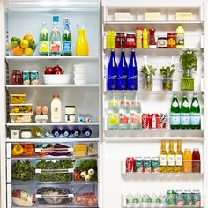 How to Stock a Fridge. For us vegans, we can ignore number 4 and 5 on this list. Or maybe 5 can apply to vegan butters. Fridge Organization, Recipe Organization, Temperature And Humidity, Vegan Butter, Apartment Design, Diy Food, No Cook Meals, Kitchen Tools, Kitchens