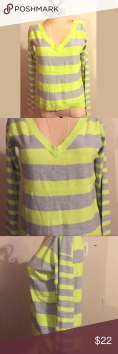 New Aeropostale XS Gray/Neon Stripe Sweater Brand New - MSRP $49.50 - Size XS Aeropostale Sweaters V-Necks