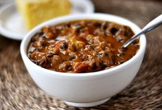 One can never have too many simple, filling, delicious chili recipes in their repertoire. Savor this Black Bean Pumpkin Chili on Phase 1 (no oil, use turkey breast), Phase 3, or D-Burn. Use 2 cans of beans and 1/2 pound meat to serve 8.