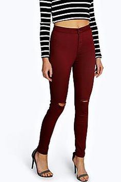 Laura Ripped Knee High Waist Skinny Jeans - Jeans - Street Style, Fashion Looks And Outfit Ideas For Spring And Summer 2017 Ripped Knee Jeans, Superenge Jeans, Red Skinny Jeans, Ripped Boyfriend Jeans, Ripped Knees, Distressed Skinny Jeans, Super Skinny Jeans, High Waist Jeans, Clothes