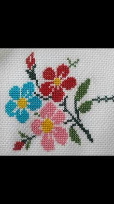 Cross Stitch Heart, Modern Cross Stitch, Cross Stitch Flowers, Cross Stitch Designs, Cross Stitch Patterns, Flower Embroidery Designs, Hand Embroidery Patterns, Cross Stitch Embroidery, Crochet Shrug Pattern