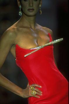 Dior Haute Couture, Couture Christian Dior, Carla Bruni, Linda Evangelista, Christy Turlington, Charles Frederick Worth, House Of Worth, Shalom Harlow, Helena Christensen