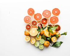 Citrus fruits are filled with vitamin C and antioxidants. They are also low in calories and a delicious treat. Try adding a slice to a glass of ice cold tea 😍🍊🌱 citrus tea vitamins healthy foodie garden love share organic handblendedtea tealover Vitamin A, Vitamin C Benefits, Health Benefits, Raw Food Recipes, Healthy Recipes, Healthy Food, Citrus Recipes, Freezer Recipes, Freezer Cooking