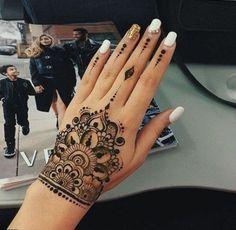 Amazing Advice For Getting Rid Of Cellulite and Henna Tattoo… – Henna Tattoos Mehendi Mehndi Design Ideas and Tips Henna Tattoo Muster, Mehndi Tattoo, Henna Mehndi, Mehendi, Tattoo Tree, Henna Hand Tattoos, Ladies Hand Tattoos, Cuff Tattoo, Henna Ink