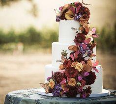 white cake for fall wedding theme