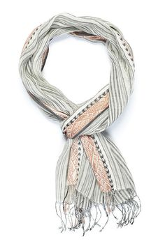 Have a long road ahead? Take this handwoven cotton-linen scarf with you on all your journeys! This scarf is handwoven with 50% cotton, and 50%