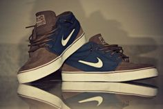 brown/navy janoski