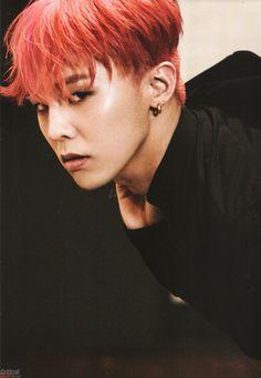 G-Dragon /I'll cheer you up RED! Papa digs a chick when she looks real slick! D:) Dig this RED! D:) GAWK! Seungri, Bigbang Yg, Bigbang G Dragon, Ji Yong, Jung Yong Hwa, Yg Entertainment, Fandom, G Dragon Top, Gd And Top