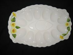 Vintage Lefton Deviled Egg Plate in Rustic Daisy Pattern