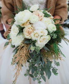 Winter bouquet perfection. Photo: Lauren Fair photography // Featured: The Knot Blog