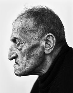 Stephan Vanfleteren - From the series 'Visserskoppen' Portrait of a fisherman Face Drawing Reference, Human Reference, Photo Reference, Black And White Portraits, Black And White Photography, Old Man Face, Male Profile, Face Study, Old Faces