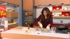 """Ηπειρώτικη κρεατόπιτα με χωριάτικο φύλλο """"κιχι"""" της alfa. Pie, Buns, Youtube, Recipes, Drink, Food, Happy, Projects, Torte"""