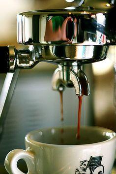 Pour! (Via sam w. love on Flickr)