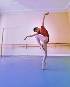 Obsessed With Ballet: Photo Ballet Poses, Dance Poses, Ballet Dancers, Ballet Wear, Dance Photography Poses, Ballet Images, Dance Dreams, Dance It Out, Ballet Beautiful