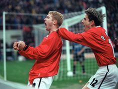 UEFA Champions League Quarter Final Second Leg match at the San Siro Stadium. Inter Milan 1 v Manchester United (United go through on aggregate). Paul Scholes celebrates after scoring his goal, congratulated by teammate Phil Neville. Manchester United Images, Manchester United Players, Leeds United, Liverpool Images, Oxford United, Bobby Charlton, Blackburn Rovers, Soccer