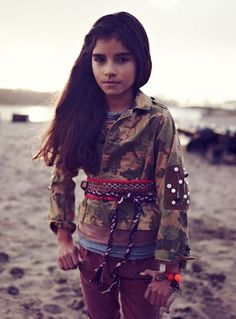 Google Afbeeldingen resultaat voor http://www.scotch-soda.com/images/uploads/collections-campaign/aw12/t_p_rbelle-campaign12.jpg