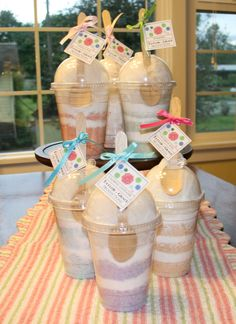 New Diy Gifts For Girls Birthday Bath Bombs 55 Ideas Nuovi regali fai-da-te per bombe da bagno di compleanno per ragazze 55 idee Cadeau Client, Spa Gifts, Spa Party, Home Made Soap, Gifts For Girls, Girl Gifts, Bath Bombs, Homemade Gifts, Cute Gifts