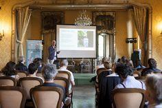 Il presidente della Fondazione per l'architettura Giorgio Giani durante il primo appuntamento di Architettura in Città LAB #AiC2016 #ascolto © Edoardo Piva