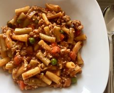 Makaron po bolońsku Kung Pao Chicken, Food And Drink, Rice, Pizza, Cooking Recipes, Nutrition, Lunch, Meat, Ethnic Recipes